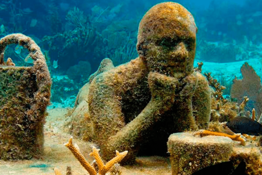 Underwater Sculpture Isla Mujeres, one of the best things to do in isla mujeres. What to do in isla mujeres.