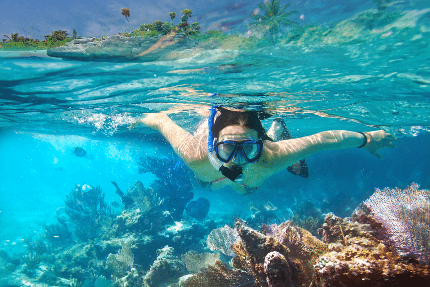 Snorkeling in Isla Mujeres, one of the best things to do in isla mujeres. What to do in isla mujeres.