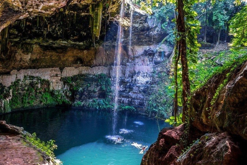 Cenote Zaci-Ha, Yucatan