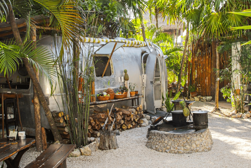 Safari Comedor Zama. Best Beach Restaurant in Tulum.