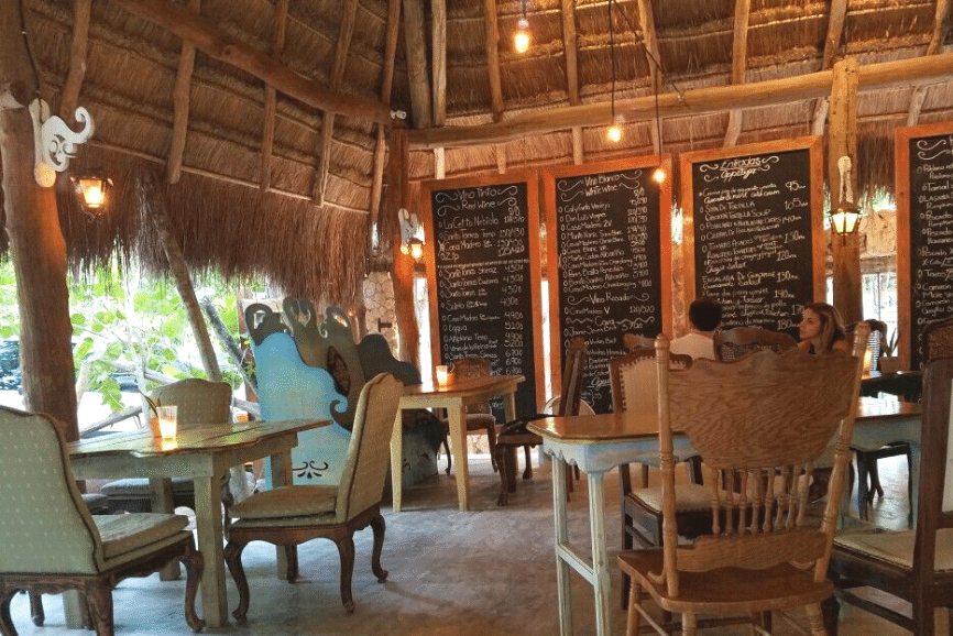 El Tábano. Where to eat in Tulum