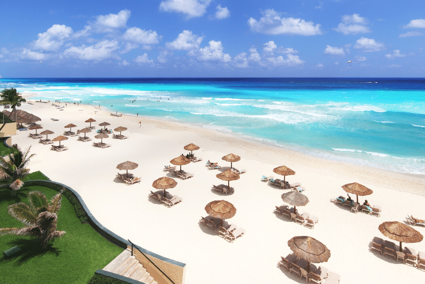 Cancun Beach, one of the top things to do in cancun