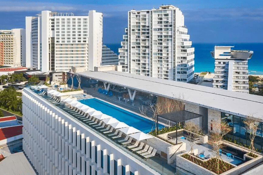 Canopy by Hilton Cancún La Isla. One of the best places to stay in cancun.
