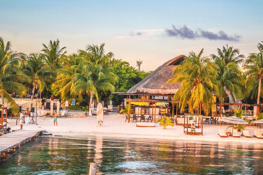 Zama Beach Club. One of the best isla mujeres restaurants