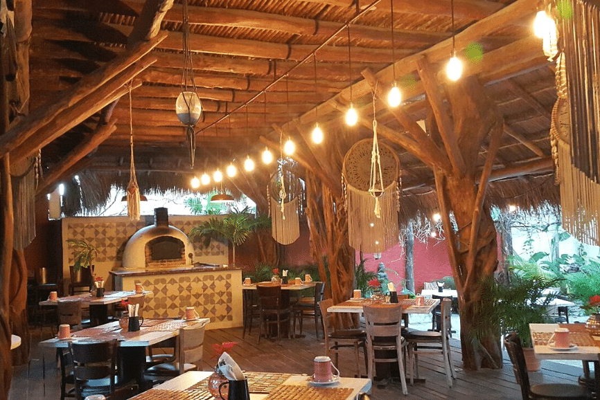 Parador 33, one of the best restaurants in Holbox mexico